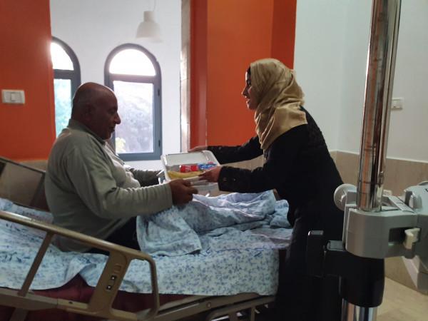 """""""التوفيق الخيرية"""" تقدم وجبات إفطار لجميع أقسام ونزلاء مستشفى المطلع"""