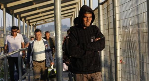 الشؤون المدنية تُحصي أعداد التجار الذين تلقوا لقاح (كورونا) بغزة
