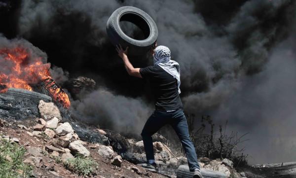 إصابة العشرات بالاختناق خلال قمع الاحتلال لمسيرة كفر قدوم الأسبوعية