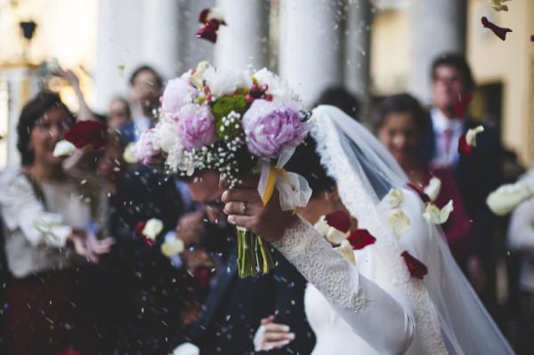 إليك نصائح ذهبية لتنظيم حفل زفاف صغير