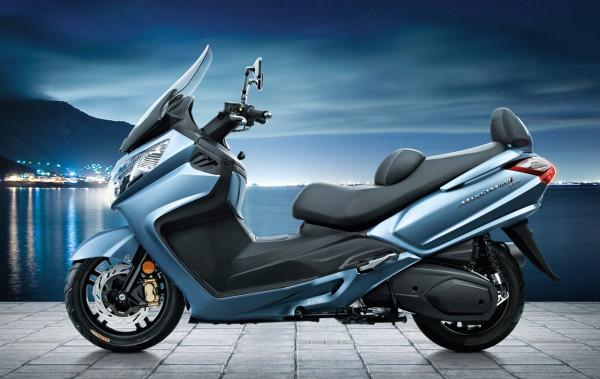 لعشاق الدراجات النارية.. دراجة نارية جديدة تزأر بقوة 34 حصان