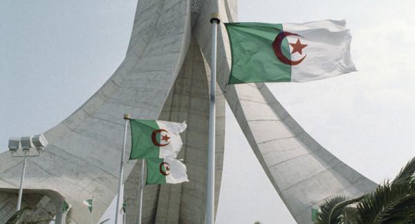 الجزائر تدين الاعتداءات في القدس وتدعو المجتمع الدولي للتحرك لتوفير حماية للفلسطينيين