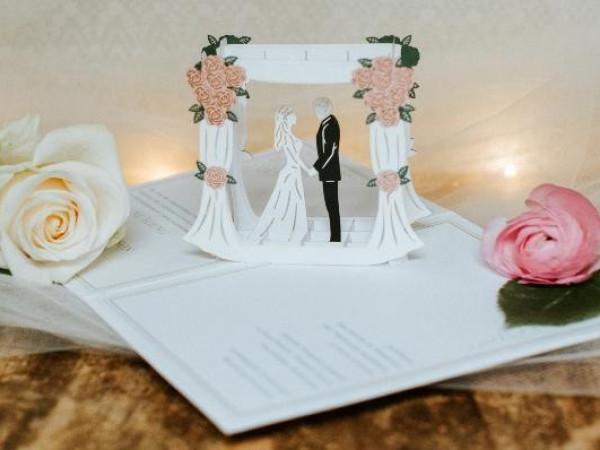 للعروس.. إليكِ أجمل عبارات دعوة زواج بالهاتف