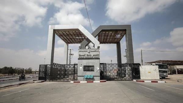 مصر توجه بفتح معبر رفح لنقل المصابين والحالات الحرجة جراء القصف الاسرائيلي على غزة