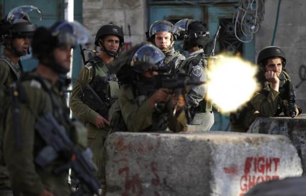 إصابة شاب برصاص الاحتلال في الخليل