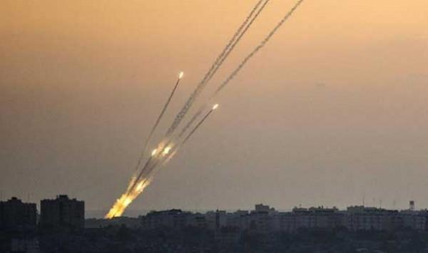 """إطلاق ثلاثة صواريخ من جنوب لبنان تجاه شمال """"إسرائيل"""""""
