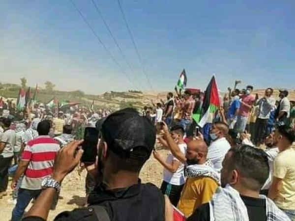 شاهد: آلاف الأردنيين يتظاهرون قرب الحدود مع الاحتلال تضامناً مع غزة والقدس