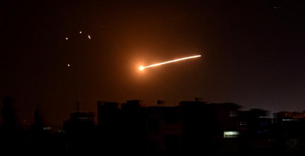 """إطلاق ثلاثة صواريخ من سوريا تجاه """"إسرائيل"""""""