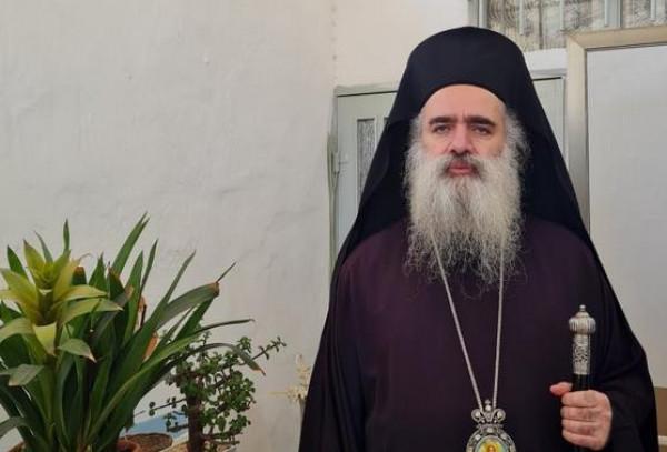 عطا الله حنا يزور حي الشيخ جراح ويتضامن معه