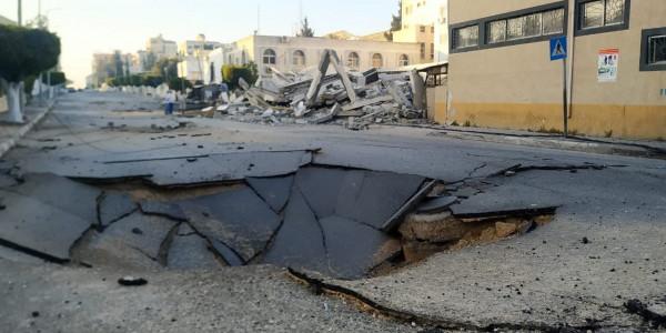 صور: الاحتلال الإسرائيلي يواصل تدمير الطرقات الرئيسية في قطاع غزة