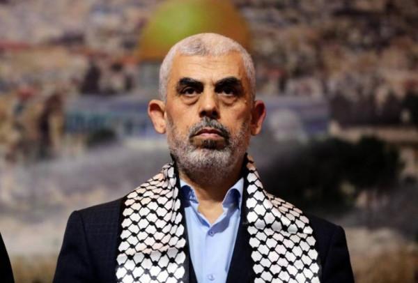الاحتلال يقصف منزلي يحيى السنوار قائد حركة حماس بقطاع غزة وشقيقه