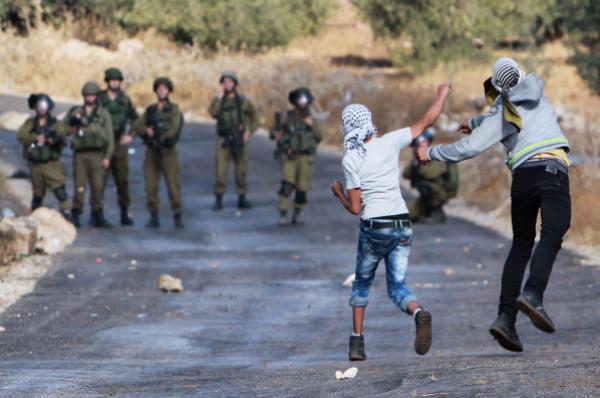 رام الله: 13 إصابة بالرصاص الحي بمواجهات مع الاحتلال في النبي صالح