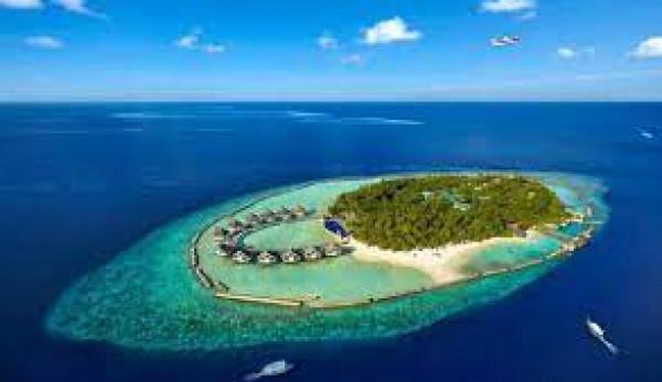 ما الحيلة التي لجأت إليها المالديف لتنقذ جزرها من الغرق؟