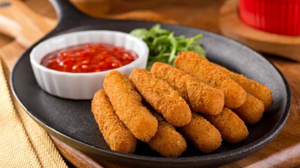 طريقة تحضير أصابع البطاطس المحشية بالجبن