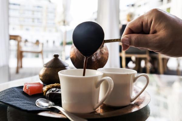 احذر من تناول القهوة بكثرة.. قد تؤثر بشكل سلبي على البصر