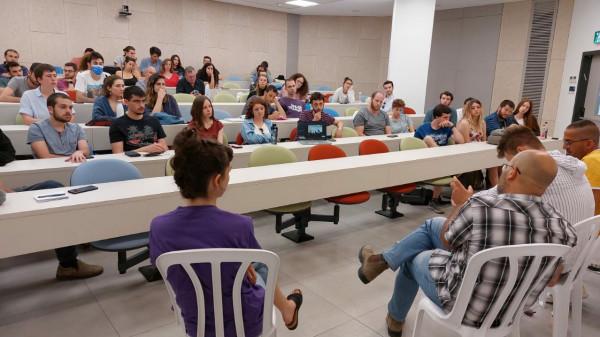 كتلة نقف معًا بالجامعة العبرية تنظم لقاءً توعويًا حول قضية حي الشيخ جراح