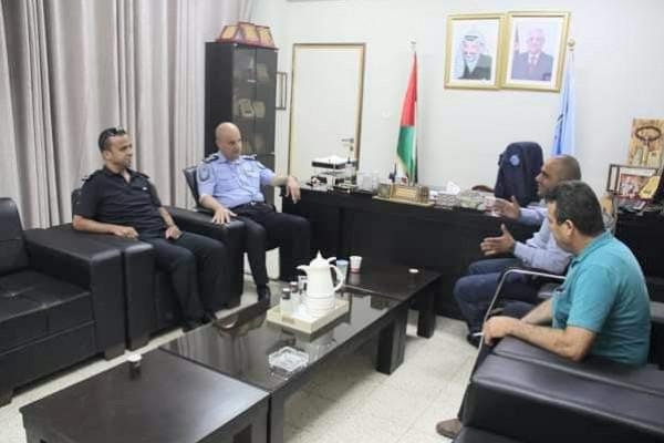 بيت الأجداد يلتقي تربية اريحا والشرطة والدفاع المدني لتعزيز التعاون