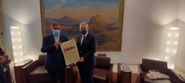 السفير طوباسي يلتقي أمين عام البرلمان الأرثوذكسي العالمي أثينا
