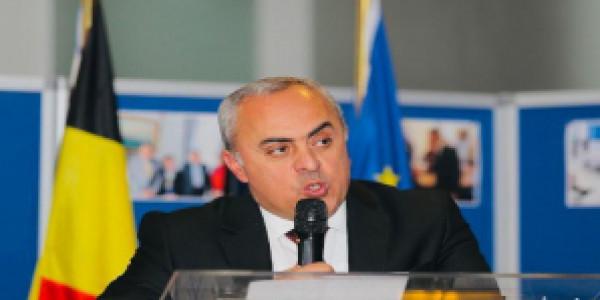 السفير الفرا يلتقي المبعوث الأوروبي لعملية السلام في الشرق الأوسط