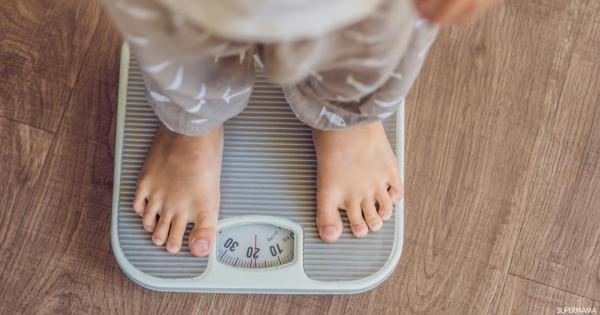 كيف تساعدي طفلك على خسارة وزنه بطريقة آمنة وصحية؟