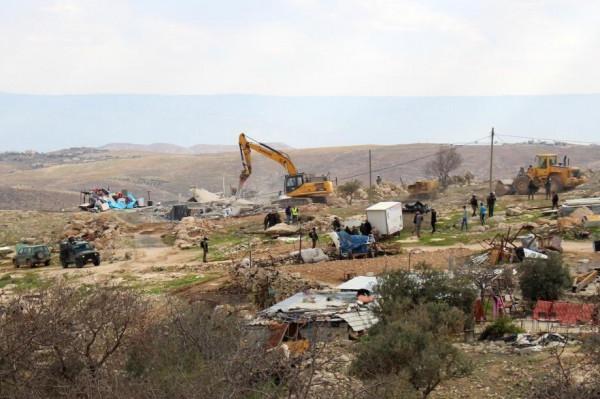 الاحتلال يهدم منشآت زراعية وتجارية في دير شرف غرب نابلس