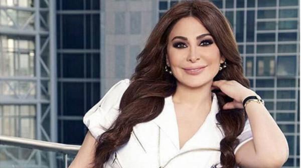شاهد: إليسا تلفت الأنظار بإطلالتها الجديدة قبل حفلها في الرياض