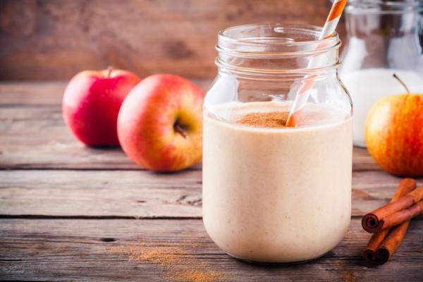 طريقة تحضير سموذي التفاح بالقرفة والشوفان