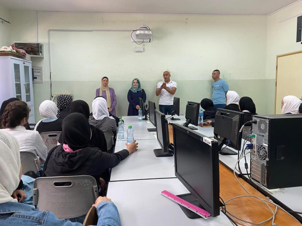 تربية الخليل تعقد لقاءً تعريفياً ببرنامج التربية الإعلامية والمعلوماتية