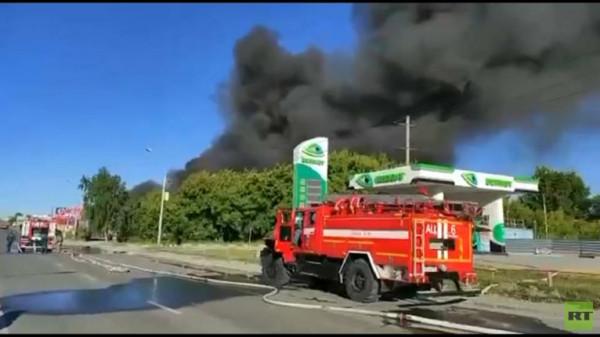 شاهد: إصابة 6 أشخاص في انفجار بمحطة وقود في مدينة نوفوسيبيرسك الروسية