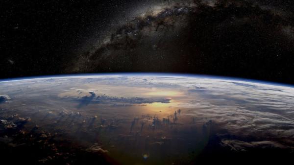 """شاهد: """"مكعب خشبي"""" صغير للأطفال ينفذ مهمة في الفضاء"""