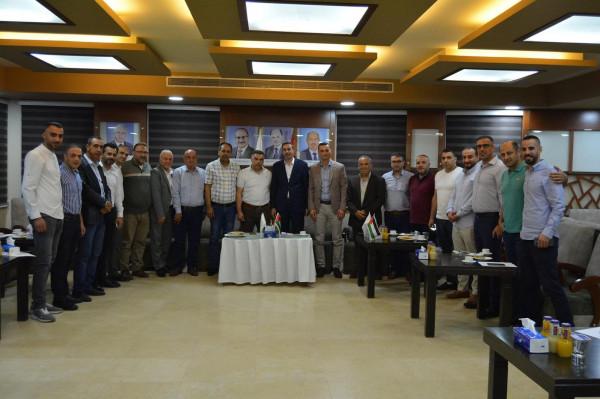 نادي شباب الخليل يُكرم أعضاء مجلس إدارة الملتقى