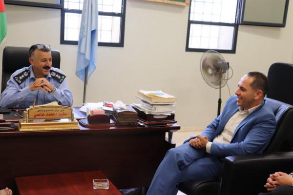 تنمية نابلس ومركز الإصلاح والتأهيل يبحثان تقديم الرعاية الاجتماعية للسجينات والأحداث