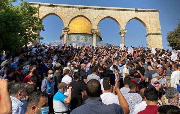 دعوات مقدسية لمسيرة من الأقصى لباب العامود تنديدا بشتم النبي محمد