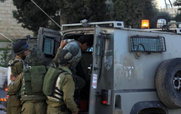 الاحتلال يعتقل أسيرًا محررًا من مدينة جنين على حاجز عسكري