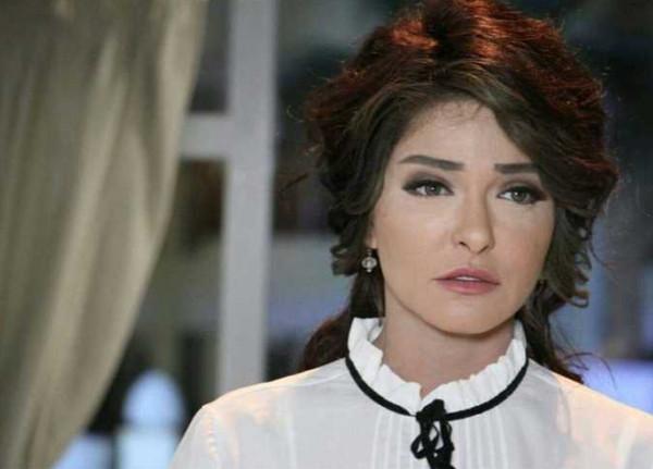 شاهد: علا غانم تحتفل بزفاف ابنتها كاميليا بأجواء رومانسية