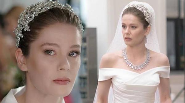 إليك أجمل فساتين زفاف فنانات تركيا بالمسلسلات