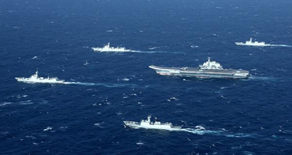 الأسطول الأمريكي يستعد لهجوم مفاجئ