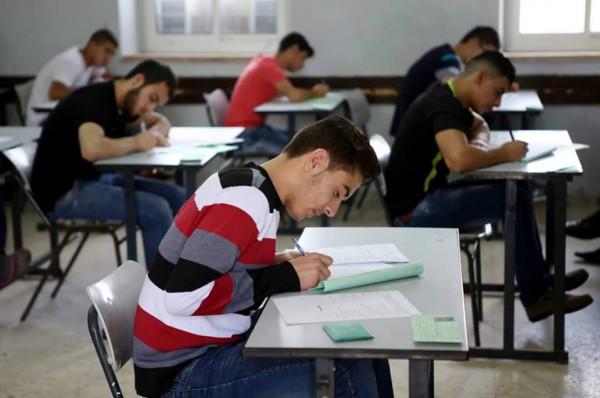 التعليم بغزة: 37,150 طالباً وطالبة من قطاع غزة سيتقدمون لامتحانات التوجيهي الخميس المقبل