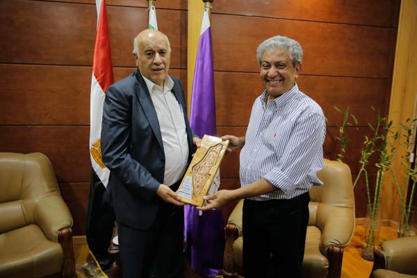 الرجوب يبحث تعزيز التعاون مع رئيس اتحاد كشاف لبنان