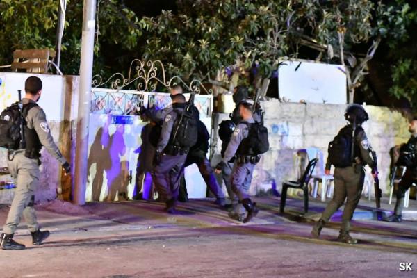 """«الديمقراطية"""": اعتداء الاحتلال على منزل عائلة الشهيد عمر القاسم بالشيخ جراح مؤشر شديد الخطورة"""