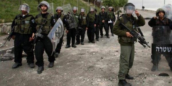الاحتلال يعتقل طفلا ويصيب آخرين بالاختناق خلال اقتحامه حديقة للأطفال جنوب نابلس