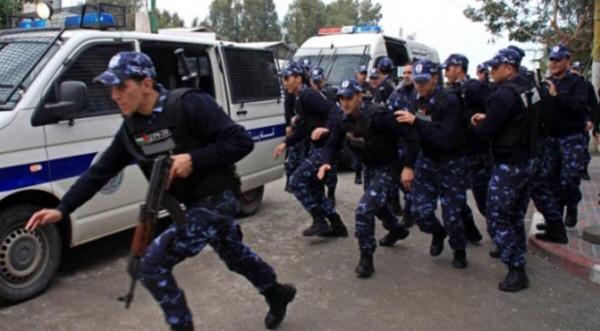 الأجهزة الأمنية تفض احتجاجًا أمام مركز توقيف بالبيرة وتعتقل زوجة الأسير المحرر أبي عابودي