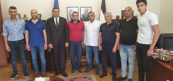 السفير الدجاني يستقبل الهيئة الإدارية الجديدة للجالية الفلسطينية في كييف