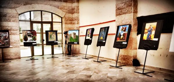 """افتتاح معرض الفن التشكيلي """"الوطن في عيون فنان"""" ضمن فعاليات بيت لحم"""