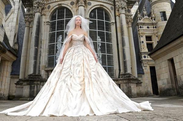 شاهدي: أرقى فساتين الزفاف اللبنانية لعروس العيد