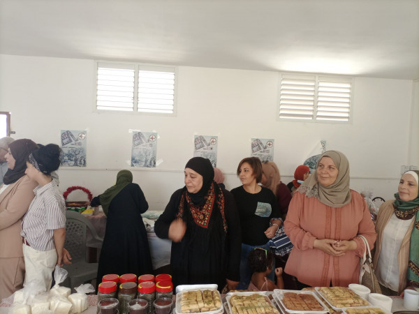 """النضال الشعبي في طولكرم تنظم معرض """"يدٌ تبني .. يدٌ تعمل وتقاوم"""" للأشغال النسوية"""
