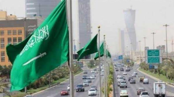 السعودية تعلن تمديد صلاحية إقامات الوافدين الموجودين خارج المملكة