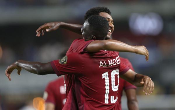 """شاهد: قطر تتصدر مجموعتها وتحديد مباريات ربع النهائي في """"الكأس الذهبية"""""""