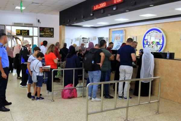 إدارة المعابر تهيب بالمسافرين تجنب السفر باكراً عبر معبر الكرامة