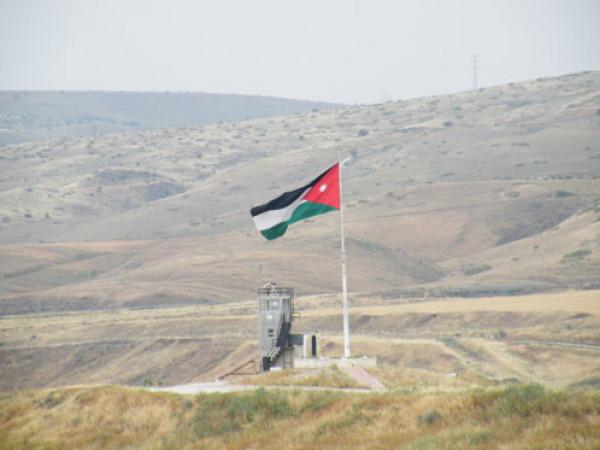 جيش الاحتلال يعلن اعتقال خمسة متسللين عبروا الحدود من الأردن